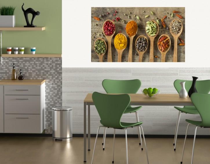 Selbstklebendes Wandbild Gewürze auf Holzlöffel