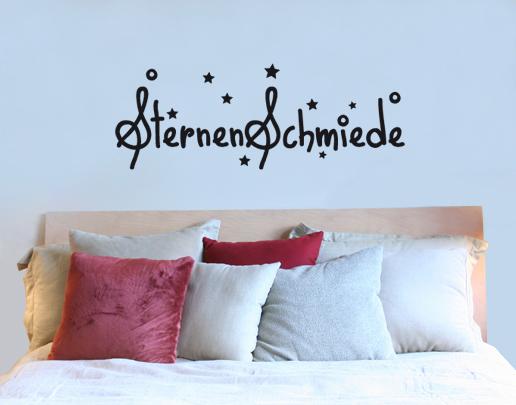 wandtattoo sternenschmiede romantik im schlafzimmer. Black Bedroom Furniture Sets. Home Design Ideas